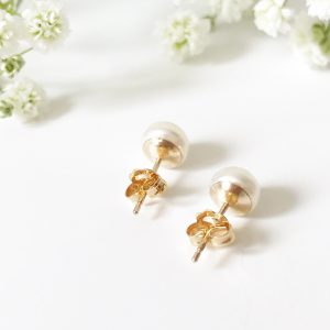 Freshwater pearl gold studs | Me Me Jewellery