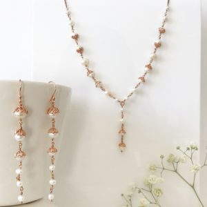Pearl and rose gold bridal set | Me Me Jewellery