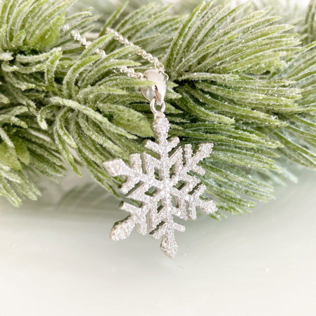 Sparkling Snowflake Necklace | Me Me Jewellery